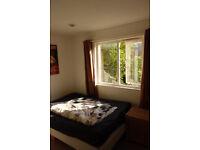 ZONE 1 - Big Double Room in Lovely Garden House (bills incl.)