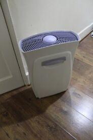 L@@K 3M Filtrete Ultra Clean Air Purifier FAP02-RS 2, VGC