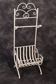 Wrought iron Vintage Towel Stand with storage basket (French Cream)