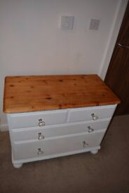 White Bedroom Drawers with Interchangeable Knobs