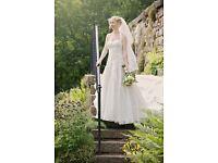 Gorgeous Ivory wedding dress for sale- size 8