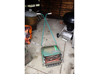 Qualcast Panther 30DL cylinder push mower with grass box