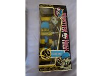 MONSTER HIGH DOLL FRANKI STEIN DOLL NEW AND BOXED
