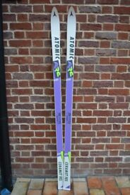 ATOMIC SKIS Size 180 cms (never used!!)