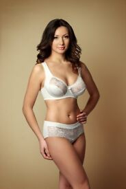 Women Plus Size Lace Bra with soft Cup Lingerie underwear from 34 to 44