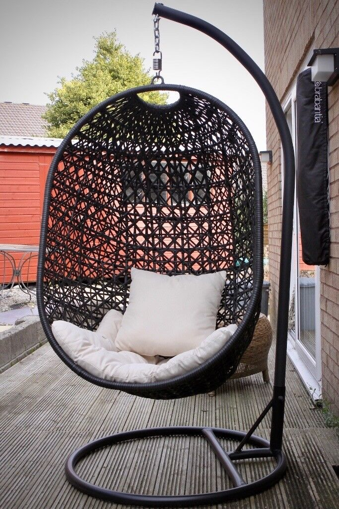 Hanging Egg Chair Black Steel Wicker Hardly Used