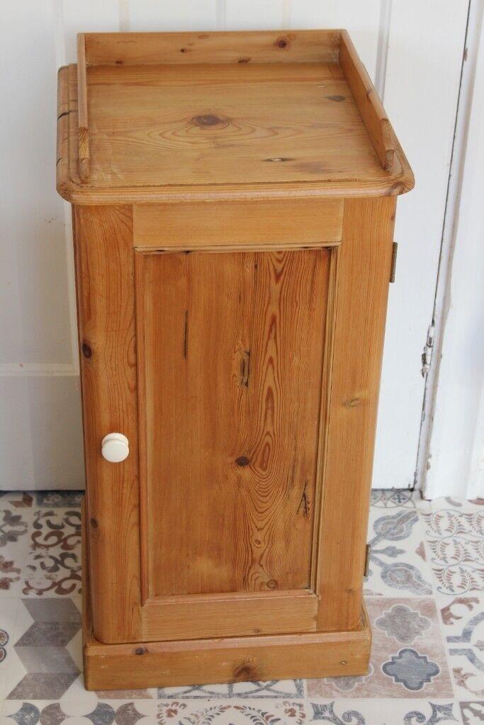 Antique Pine Pot Cupboard / Bedside Cabinet - Antique Pine Pot Cupboard / Bedside Cabinet In Torquay, Devon