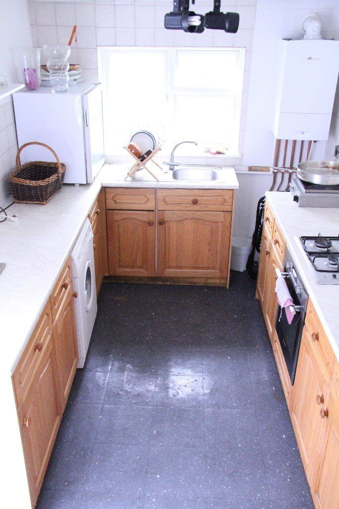 LOCATION LOCATION LOCATION LARGE 1 DOUBLE BED FLAT IN HEART OF RICHMOND