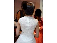 Lace Wedding Dress, only worn once, professionally dry cleaned - Would fit Size 8