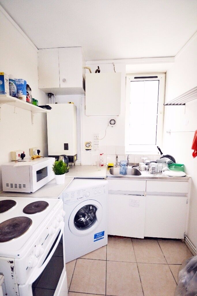 *L*Close to Liverpool street 2 stunning double rooms. in Brune Court
