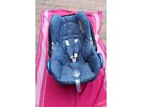 Maxi cosi cabrio fix group 0+- Denim Hearts_ VERY GOOD NEARKY NEW CONDITION