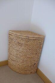 Laundry basket 15£