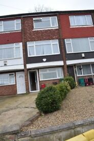 3 BEDROOM NEWLY FULLY REFURB. HOUSE NEAR STATION. DSS WELCOME.