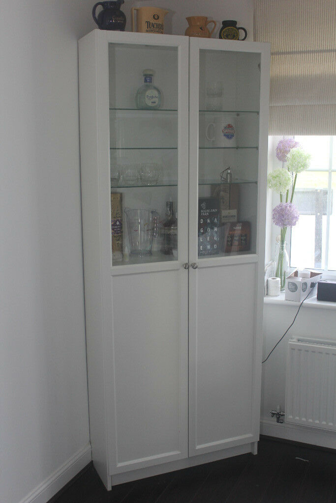 White Display Cabinet with Lights / Bar / Glass Cabinet