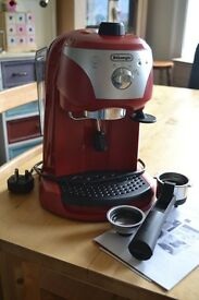 DeLonghi EC220 Red Pump Espresso Coffee Machine, good cond, fully functioning, instructions included
