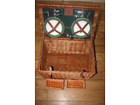 Wilton Limited Edition Luxury 4 person picnic hamper £200