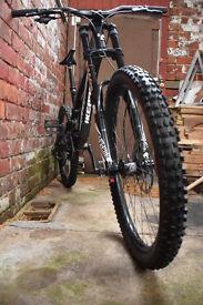 Downhill bike Nukeproof Pulse 2015
