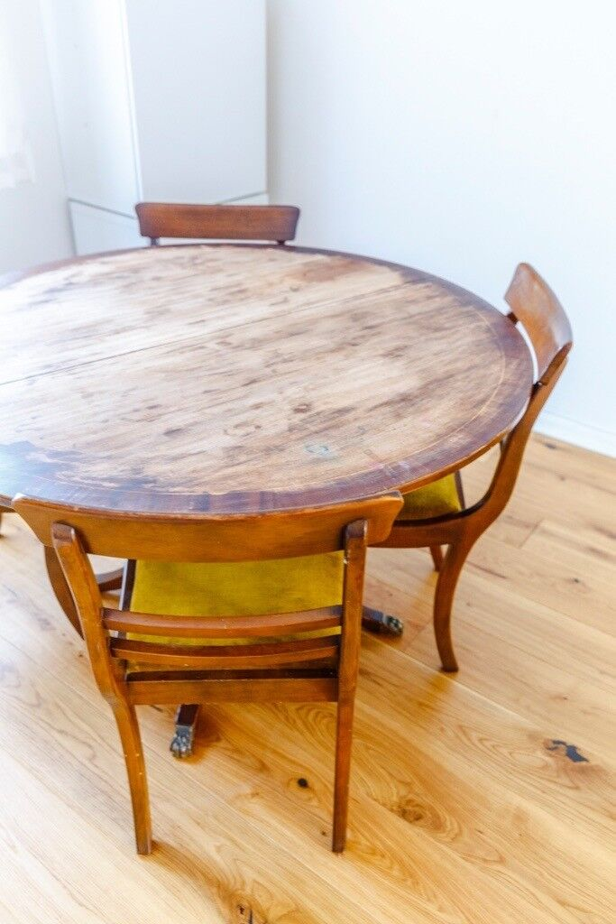 Dining Table with Excellent Condition 6 Chairs