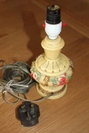 REDUCED TO ONLY £2 TABLE LAMP FLORAL DESIGNED POTTERY STYLE