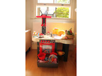 Kitchen set for children and many kitchen pieces