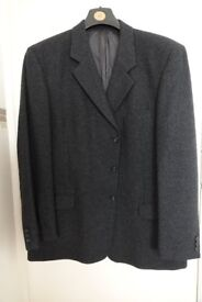 GENTS CHARCOAL GREY WOOL JACKET. 52 inch/ 132cms CHEST.