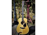 YAMAHA LS16, made in 2000. Solid Spruce & Solid Rosewood. With Moulded Gig Bag. PRICE REDUCED.