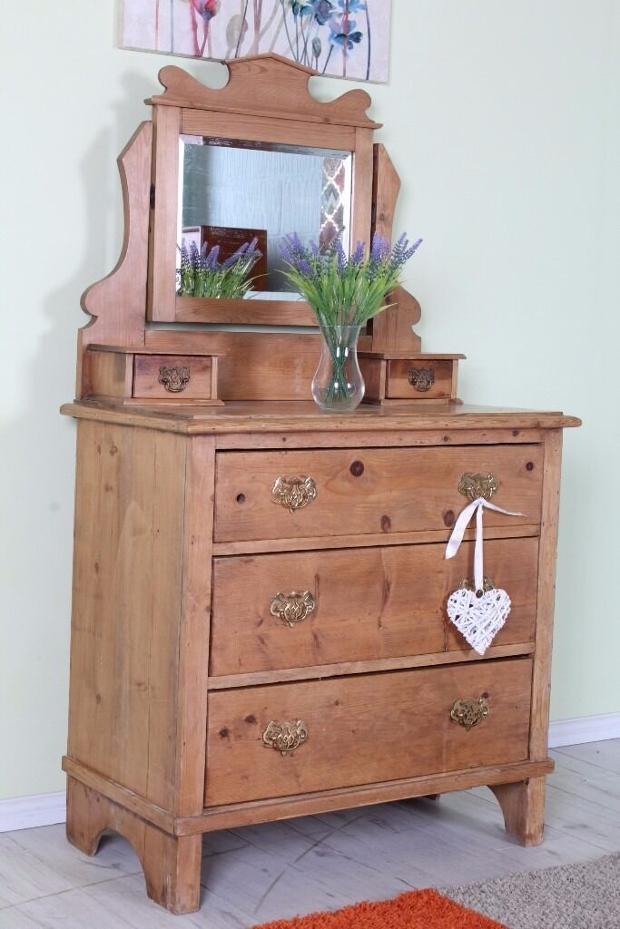 BEAUTIFUL OLD SOLID PINE DRESSING TABLE WITH 3 DRAWERS MIRROR - CAN COURIER