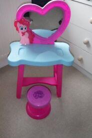 My little Pony Pinkie Pie Dressing Table
