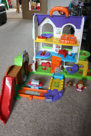 VTech Baby Toot-Toot Friends Busy Sounds Discovery House - Multi-Coloured
