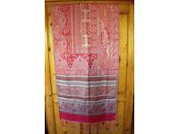** NEW ** & unworn fringed red & gold shawl, pashmina, wrap, scarf. £5 ovno