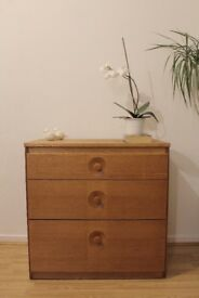 Vintage Art Deco / Mid Century Oak Chest of drawers. Delivery. Danish.