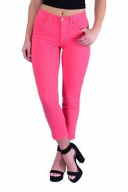 Trevi ladies stretch crop pant and stretch polo T-shirt in bright colours