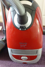 Miele Cat and Dog turbo 5000 vacuum cleaner