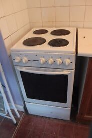 Electric cooker, freestanding, white, 4 hob.