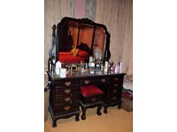 Queen Anne style dressing table in Mahogany finish