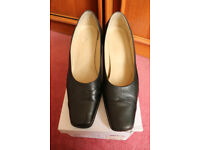 Ladies Court Shoes Black Leather Size 9