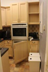 COMPLETE KITCHEN - UNITS / KITCHEN CUPBOARDS / SOLID DOORS / KITCHEN SINK & TAP ** BARGAIN £50 **