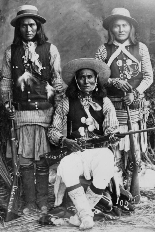 New 5x7 Native American Photo: Three White Mountain Apache Indians with Rifles