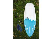 "Surfboard - Di-Verse 6'8"" x 22"" x 2 7/8"" 2 months Old W/FCS leash + Glass fins"