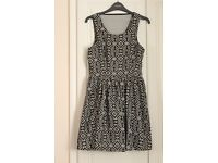 FOREVER 21 - Black and White dress - Size Medium. Excellent condition. £10