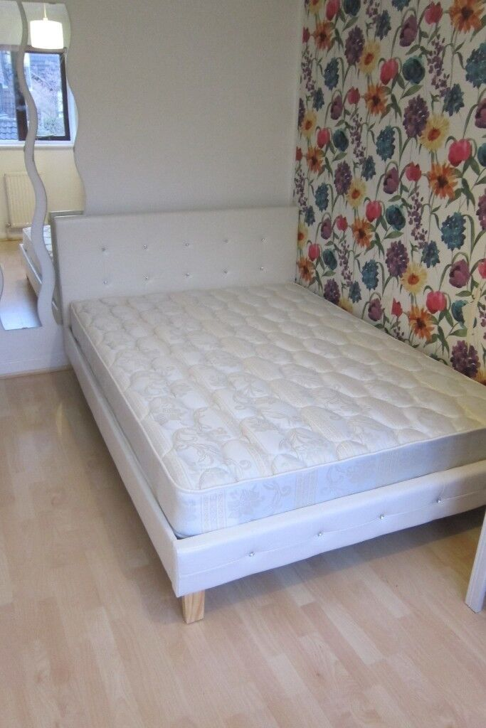 Diamante White Faux Leather Bed Frame Double Without Mattress In Excellent Condition