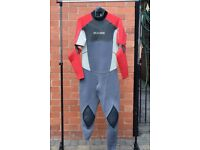 Gul convertible wetsuit (CT301), size ML in red/light grey/dark grey.