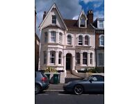BEDSIT TO LET CLOSE TO HOVE STATION