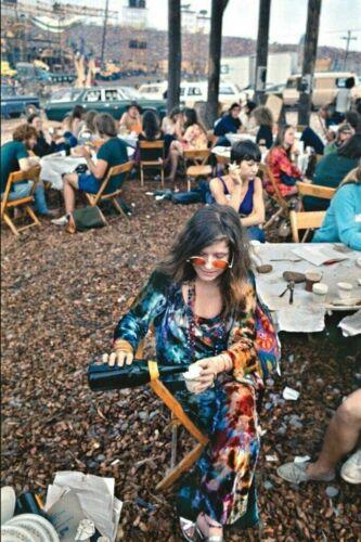 "Very Cool JANIS JOPLIN at WOODSTOCK! 8x10"" photo! 🌹"
