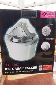 Electric Ice-cream Maker Very good condition