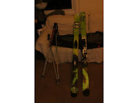 Twin Tip Dynaster Fat Skis with LOOK bindings and ski bag