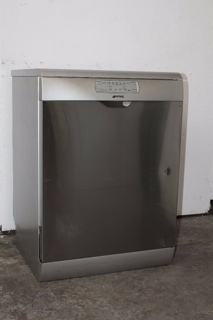 Smeg Stainless Steel Dishwasher Good Condition 6 Month Warranty Delivery and Install Available