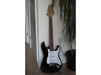 Fender Squire Stratocaster (China) Electric Guitar