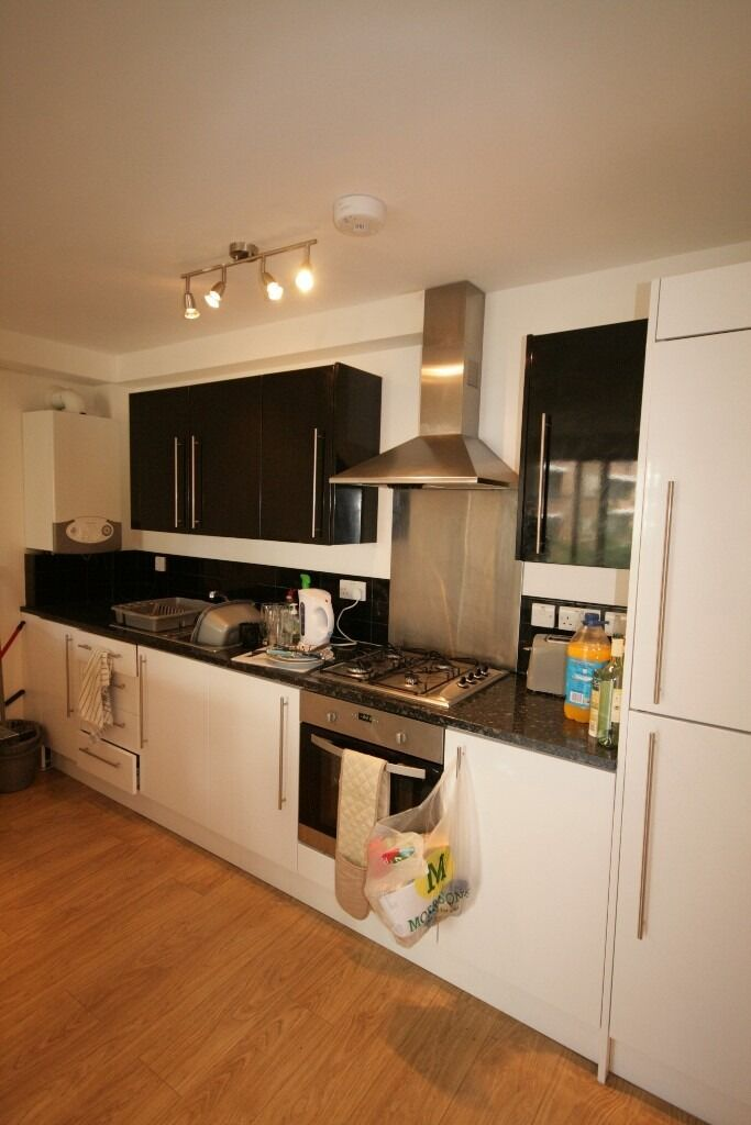 Modern and bright 3 bed - Clapham - £585pw