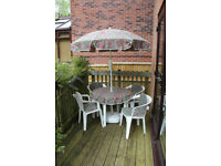 4-seat patio set with parasol, cloth and cushions
